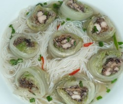 new wombok wrapped chicken and mushroom in chicken broth 4