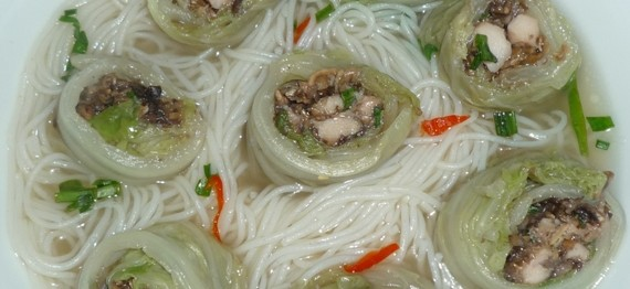 new wombok wrapped chicken and mushroom in chicken broth 5