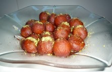 Gulab Jamun in Strawberry flavour syrup 4