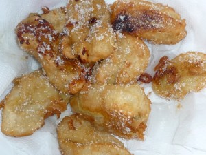 Used up some green bananas to make these fritters.